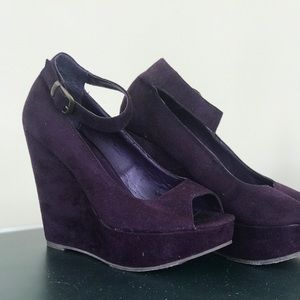 Forever 21 Royal Purple Suede High Wedges. Size 8.